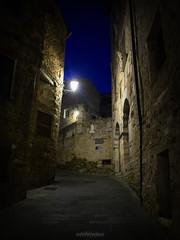 Campiglia Marittima, Tuscany (LeonardoMazzoni) Tags: campiglia street tuscany toscana traveldestination nightphotography night longexposure light medieval ancient canon