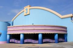 ALLEZ LES BLEUS (André Pipa) Tags: waltdisneystudios paris disneylandparis cinema theatre lines design photobyandrépipa