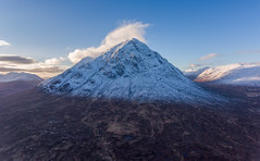 DJI_0872 4096 (Bill.Barclay) Tags: buachailleetivemor glencoe rivercoupall mountain river scotland sky bluesky clouds snow