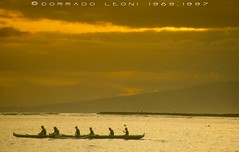 Honolulu, Hawaii - Photo by Corrado Leoni (LeoniArt) Tags: canoe hawaii sunset tramonto honolulu