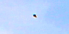 UFO billeder Objekt 4 (UFO_billeder) Tags: ufo flåde billeder fotografier observation objekt rumskib rumskibe fartøj fartøjer rumvæsen rumvæsner alien mystik paranormal uidentificeret himmel rummet sfære naturfænomen fænomen liv død åndelighed psykologi sky efterforskning teknologi