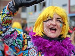 Eschweiler, Carnival 2018, 123 (Andy von der Wurm) Tags: karneval carnival carnivalparade karnevalsumzug karnevalszug costumes kostüme kostueme verkleidet verkleidung dressedup smile smiling lächeln lachen lustforlife groove lebenslust eschweiler 2018 nrw nordrheinwestfalen northrhinewestfalia germany deutschland allemagne alemania europa europe andyvonderwurm andreasfucke hobbyphotograph male female girl teenager twen funkemariechen funkenmariechen funkenmarie bunt colorful colourful