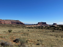 Canyonlands NP in UT (Jeff Hollett in Vancouver, WA) Tags: canyonlandsnationalpark utah sw southwest desert landscape canyon