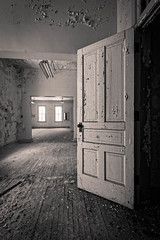 IMGP7475-Edit (Drew's Arcade) Tags: traverse city state hospital michigan pure abandoned asylum bnw black white