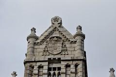 Astorga (León). Palacio Episcopal de Antonio Gaudí. Escudo (santi abella) Tags: astorga león castillayleón españa palacioepiscopaldeastorga antoniogaudí heráldica escudos