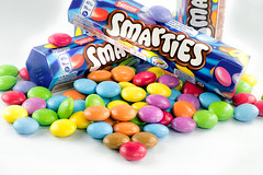 Smarties (Guy Goetzinger) Tags: smarties d850 nikon goetzinger candy sweetie sweetness süssigkeit color bunt multicolor nestle süsses sucré focus stacking macro studio food aliment colors pattern 2018