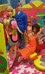 CHRISTIE AT HOME (ModBarbieLover) Tags: christie barbie talking 1967 1968 ken fashion doll mattel mod bright disco flower house chair