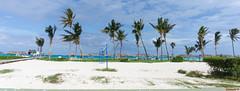 Plage, Sol Cayo Coco, Cuba - 4382 (rivai56) Tags: cuba cu plage beach sonyphotographing cayococo cuba4271 terrain de volleyball devant locéan