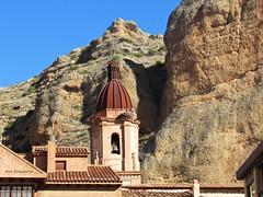 Estampas de Quel (kirru11) Tags: iglesia torre cigueñas tejados rocas peñas cielo kirru11 anaechebarria quel larioja españa canonpowershot