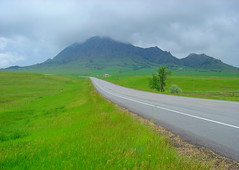 Rainy Highway to Deadwood (nelhiebelv) Tags: rain green cloudsstormssunsetssunrises southdakota