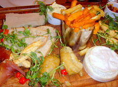 Country Platter (Tony Worrall) Tags: add tag ©2017tonyworrall images photos photograff things uk england food foodie grub eat eaten taste tasty cook cooked iatethis foodporn foodpictures picturesoffood dish dishes menu plate plated made ingrediants nice flavour foodophile x yummy make tasted meal nutritional freshtaste foodstuff cuisine nourishment nutriments provisions ration refreshment store sustenance fare foodstuffs meals snacks bites chow cookery diet eatable fodder wholebakedcamembert parmahamandspeckwrappedcrostini goatcheesepannacottaandtempurafigs garstangbluefritters chickenliverparfait sweetpotatofriesandskinonfriesmixedpot homemadeexoticfruitchutneyandceleriaccoleslaw board ham meat full cheese chips