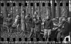 Hunting-Group (_LWR_) Tags: 114 35mmauf120er analog film ilfordfp4 ilfosol3 mamiyac330f mamiya hunting monochrome sw 35mm 120er thuringia thüringen thüringerwald wald forest jagd germany deutschland