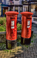 George and Elizabeth (Andrew Brammall Photography) Tags: postoffice royalmail penfold postbox postal newforest lyndhurst queenelizabeth kinggeorge red letters british britain england postman history hampshire