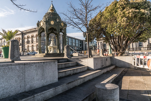 VICTORIA MEMORIAL FOUNTAIN IN DUN LAOGHAIRE [THIS IS INTERESTING AND WELL LOCATED]-136393