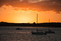 25 feb 2018 - photo a day (slava.connect) Tags: newzealand auckland bucklandsbeach sunset boat bay photoaday dailyphoto 365 1day