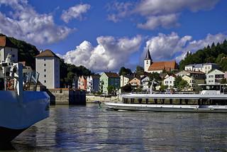 Die Donau hinauf fahren