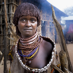 hammer girl ethiopia (courregesg) Tags: ethiopia omovalley eastafrica portrait hammer mode people tribe ethnic