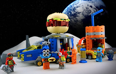 FebRovery 2018 9 (TFDesigns!) Tags: lego space rover febrovery dave sam foodtruck planet frost