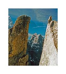 Fenêtre sur les Drus..... arête de la Petite Verte (Yvan LEMEUR) Tags: montagne montblanc massifdumontblanc lesdrus rochers chamonix valléedechamonix argentière petiteverte grandsmontets alpinisme alpes hautesavoie mountain france landscape paysage altitude