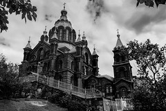 Uspenski Cathedral, Helsinki (Aethelweard) Tags: helsinki uusimaa finland fi church catherdral russian russia duchy blackandwhite bw moody old historic history religion religous architecture