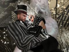 Time Out at the Night Circus (ScottSilverdale) Tags: scottsilverdale tralalaloordes elysion lecirquedesreves nightcircus cuddle tophat ruff romance scotttralala