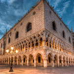 Corner of the Palace of the Doge in Venice thumbnail