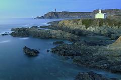 Ermita Virxe do Porto y Faro de Meirás (Alphonso Mancuso) Tags: ermita valdoviño galicia coruña ferrolterra ferrol españa mar azul faro meirás filtrond filtrodensidadneutra