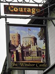 Windsor Castle Pub, Windsor (Normann) Tags: windsor windsorcastle pub pubsign