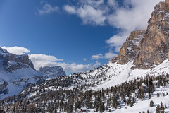 Travel.2018-02-03; Val Gardena (1968photo) Tags: italy valgardena italien alps snow winter skiing landscape selva dolomites southtyrol tyrol sëlva downhill feelgood corvara gröden gherdëina seceda ortisei sellaronda sellastock wolkenstein lalongia ciampinoi dantercepies nature highaltitude altitude wood forest sky mountain mountainside tree slope slopes