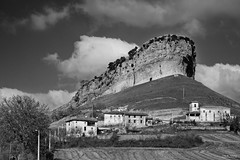 LVT_0184 San Pantaleón de Losa BW (Luis Miguel Villalba de la Torre) Tags: 2018 burgos frias cascadas
