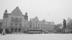 A snowy day in Poznan (HansPermana) Tags: poznan posen poland polen greaterpolandvoivodeship wielkopolskavoivodeship snow snowy winter city cityscape centraleurope eu europa europe oldtown oldbuilding building