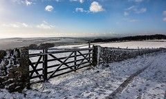 Leading line (Phil-Gregory) Tags: naturalphotograph natural nationalpark naturephotography natrural countryside color colour snow gate peakdistrict nikon d7200 1120mm 1120mmf2811 wideangle ultrawide