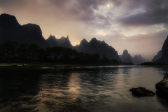 Wake up, It's The Dawn (Massetti Fabrizio) Tags: sunrise dawn distagon sun sunset sunlight landscape landscapes lee panorami nikond3 nikond700 night guilin guangxi guanxi giallo rural red river rosso mountain mount cina china carlzeiss21mmf28 clouds color yangshou yellow yangshuo