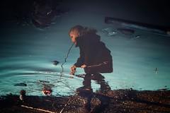 Auf den Kopf gestellt... (hobbit68) Tags: water wasser frankfurt sohn fujifilm cola dose sky himmel stein spiegelung reflecting reflexion