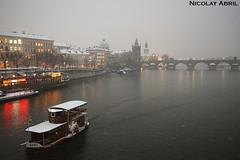 Prague's Vltava river and Charles Bridge (Nicolay Abril) Tags: vltava českéřeky řeky praga praha prag prague prága česko českárepublika républiquetchèque tchéquie repúblicacheca chequia czechrepublic czechia csehország csehköztársaság tschechien tschechischerepublik