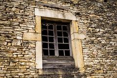Aérée (patoche21) Tags: bourberain bourgogne côtedor abandonné architecture bois fenêtre maisonenpierres texture burgundy patrickbouchenard window abandoned stone wood material urban