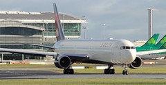 N830MH Boeing 767-432ER Delta Airlines Lining Up at Dublin Airport (Conor O'Flaherty) Tags: deltaairlines delta airlines boeing 767 767400 eidw dublinairport dub dublin aviation lineup skyteam
