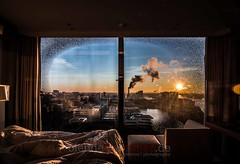 Hamburg sunrise (blende9komma6) Tags: sonne elberiver sonnenaufgang hamburg hafencity germany nikon d7100 sunrise elphi window fenster hotel elbphilharmonie inside sun himmel morning sky hafen port harbor hh hannover city urban