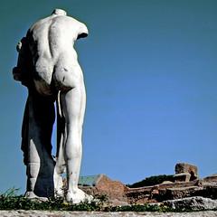 Ostia Antica, Roma (pom'.) Tags: canoneos400ddigital february 2017 ostia ostiaantica rome roma lazio italia italy europeanunion nude naked man ancientrome bum 100 sculpture statue 200 5000