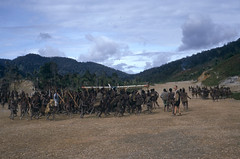 HG5-1-011b Bilogai (Stichting Papua Erfgoed) Tags: henkgeut papua irianjaya nieuwguinea stichtingpapuaerfgoed irianbarat janseverins