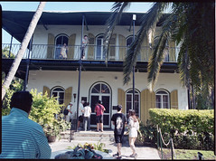 Key West: Hemingway's home (Todron) Tags: pentax pentax645n pentax645 645 45x6 filmcamera film 120 220 mediumformat medioformato 45mm 45mmf28 wide wideangle grandangolo epson v600 kodak kodakportra400 portra negativefilm 400asa keywest isolekeys florida usa hemingway home