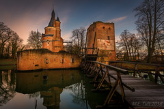 The ruin @ Wijk bij Duurstede (Marcel Tuit | www.marceltuit.nl) Tags: amerongen bluehour canon dorestad eos holland krommerijn me marceltuit molen nederland nederrijn thenetherlands utrechtseheuvelrug wijkbijduurstede bomen bridge brug buiten burcht castle city contactmarceltuitnl geschiedenis harbor haven hiking history kasteel ophaalbrug outdoors reflectie reflecties reflection reflections ruin ruine stad sunrise toren tower trees twilight utrecht vestingstad wandelen water windmill wwwmarceltuitnl zonsopgang