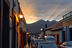 A gift from heaven (Chemose) Tags: mexico mexique chiapas sancristóbaldelascasas ciel sky couleur colour rayon soleil sun ray montagne mountain rue street hdr canon eos 7d mars march coucherdesoleil sunset