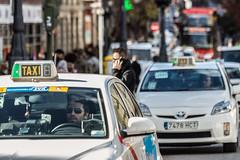 Taxi (michael_hamburg69) Tags: madrid comunidaddemadrid spanien es spain españa espagne man male people street photography callemayor taxi taxidriver strangers