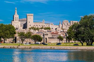 Sur le pont d' Avignon...