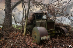 Road Roller - Austria 2018 (dolfosibu) Tags: verlassen decaying urban exploration lostplace place lost abbandonato forgotten abandoned decay urbex ue explore exploring road rolle old vehicle strasenwalze