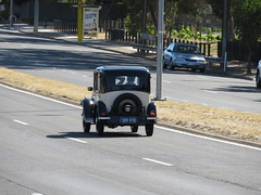 Vintage Austin 7 on North East Rd (RS 1990) Tags: adelaide teatreegully modbury valleyview southaustralia northeastrd friday 19th january 2018 rare vintage veteran car austin7