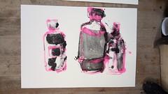 Und wohin wir auch gehen die Leere (raumoberbayern) Tags: acryl acrylic stilllife stilleben naturemorte pink black schwarz noir sketchbook skizzenblock malerei painting robbbilder bottles flaschen bouteille print umdruck