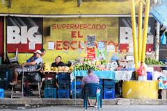 Daily life @ Panama-Costa Rica border (Mabelín Santos) Tags: borders panamacostaricaborder frontera dailylife venta streetphotography streetvendor panama panamá grenze granica fronteira mercat рынок 시장 市場
