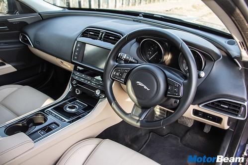 Jaguar-XE-Diesel-08